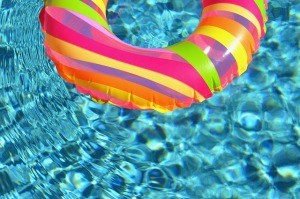 swim-ring-84625_640-300x199
